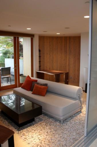 Casa Full Downstairs